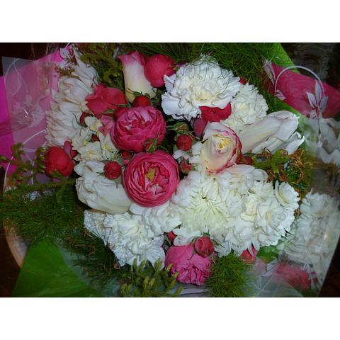 Gift Bouquet: Budget friendly